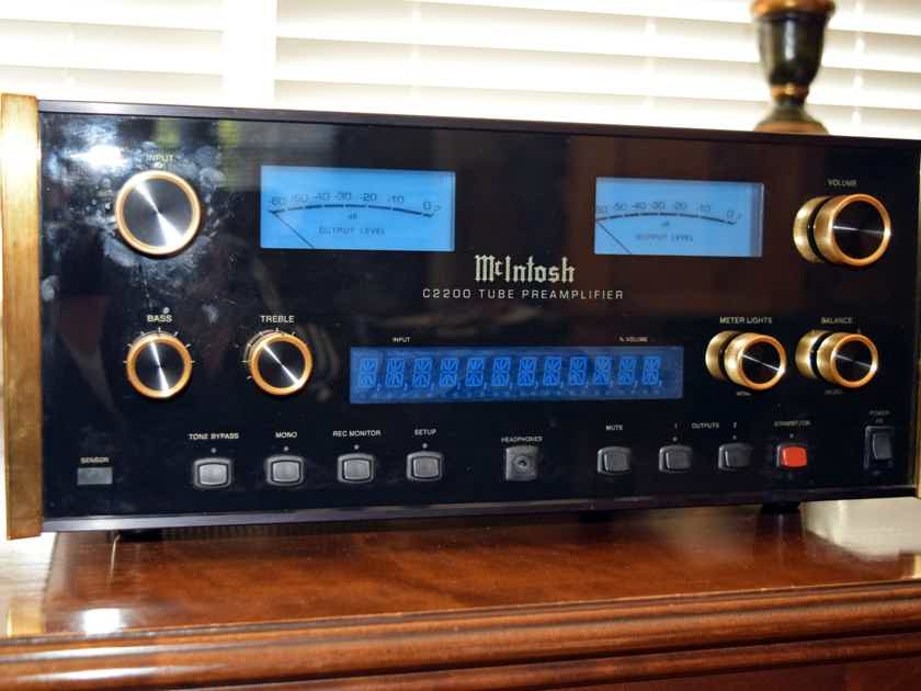 McIntosh C-2200 Gold Edition Tube PreAmplifier