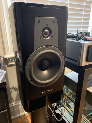 Dynaudio Contour 20 with Stand 20 Stands - PAIR - MINT