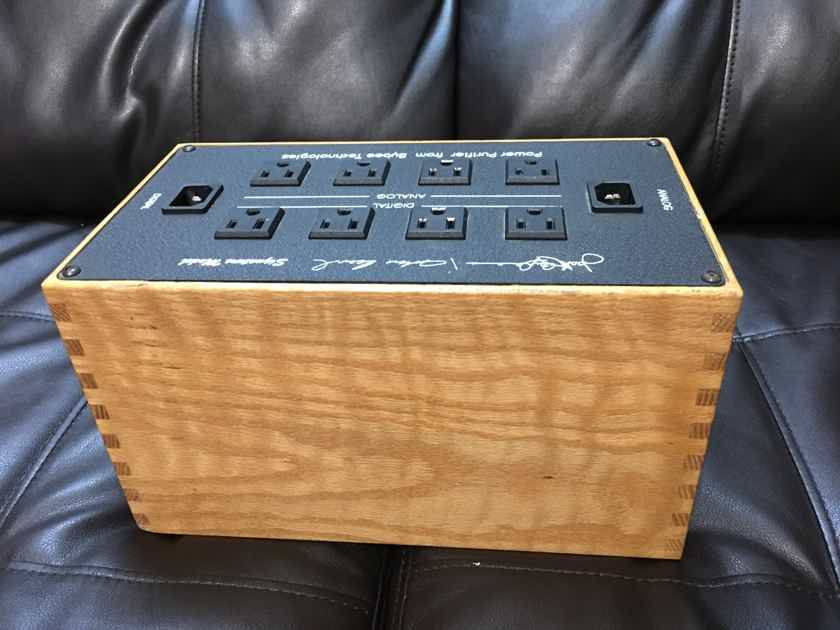 Bybee Technologies Power Purifier  Distribution 8 outlets  ** Trade welcome **