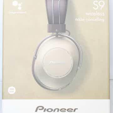 Pioneer S9