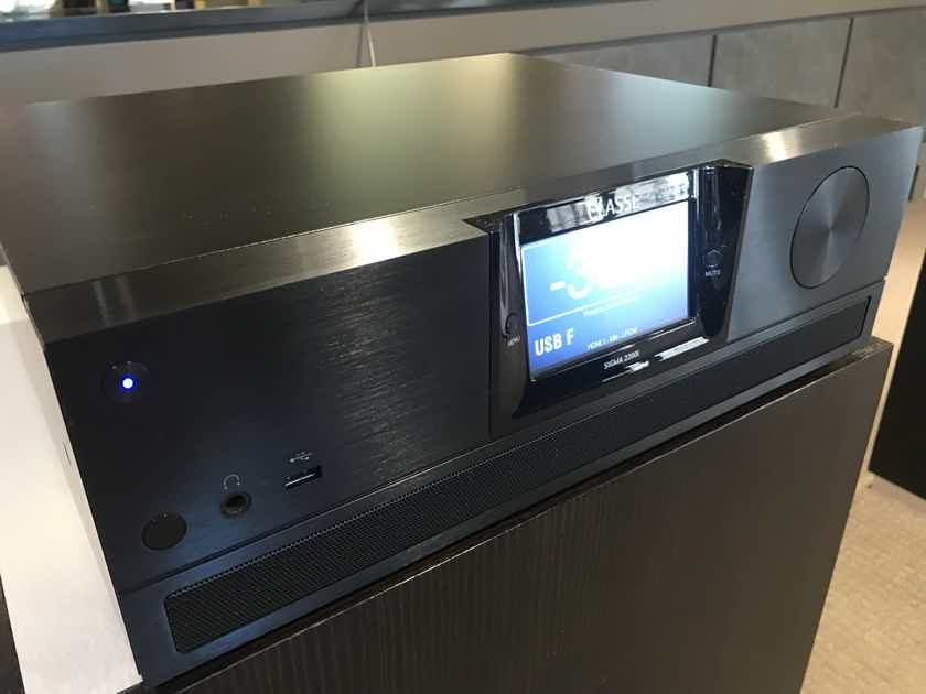 Classe Sigma 2200i Integrated Amplifier – Black Finish  – Display/Warranty