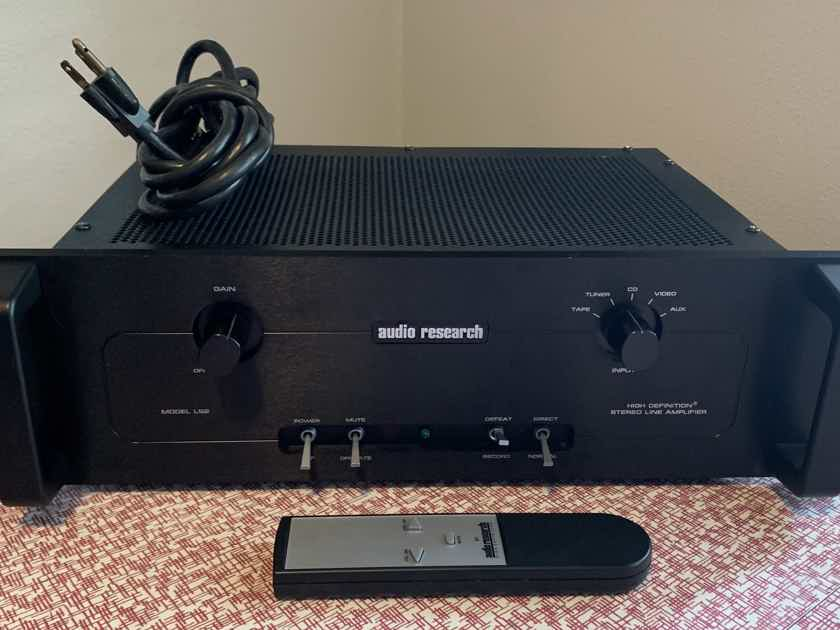 Audio Research  LS2B MKII R tube preamplifier with remote control