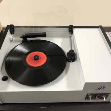 VPI Industries HW-17 Record Cleaning Machine