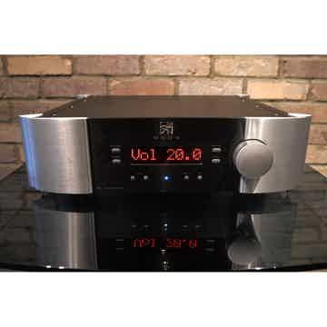 Moon Audio P7 Fully Balanced, Dual -Mono Design Preampl...