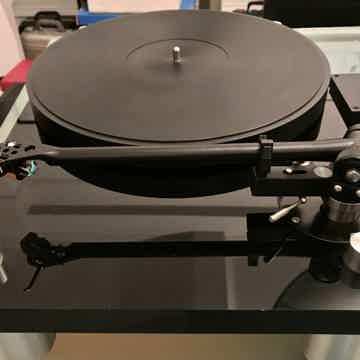 BASIS 2000/2001 Turntable (Piano Black)