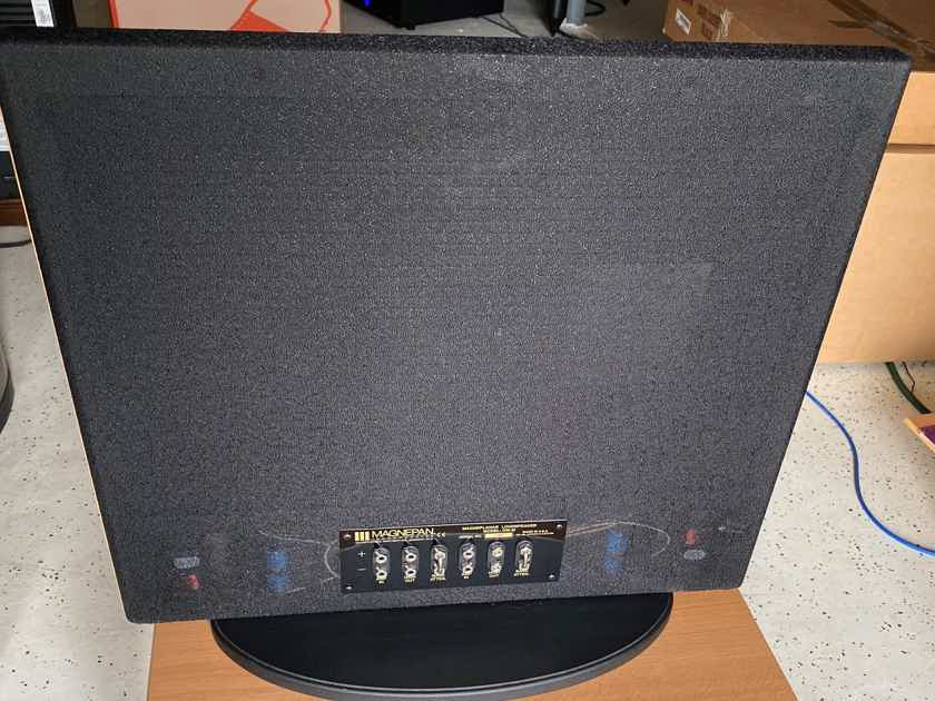 Magnepan MINI MAGGIE RIBBON SPEAKER SYSTEM  40Hz-40KHz, ELEGANT BLACK/OAK FINISH