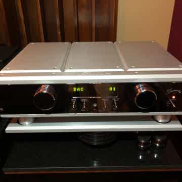 Burmester 077 Preamplfier with DAC