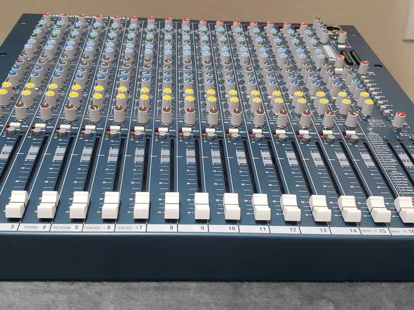 Allen and Heath Allen & Heath Mixwizard WZ3 16:2 mixer with effects in MINT condition 10/10