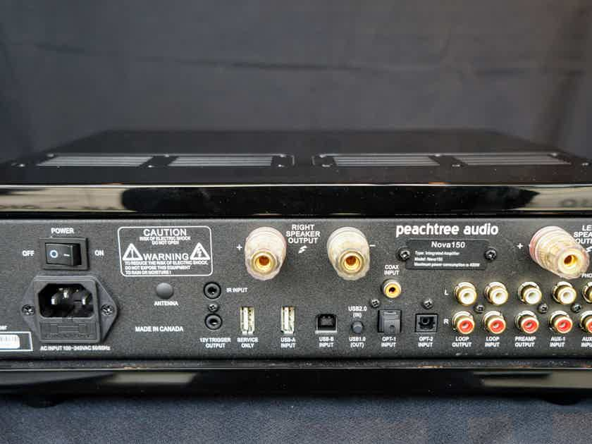 Peachtree Audio nova 150 with DAC in Gloss Black like new condition