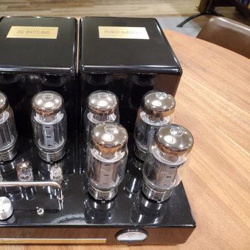 Bob Carver 350 Mono Amps