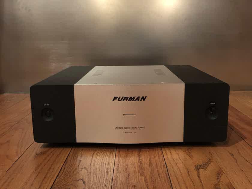 Furman IT-REF 20i -  Discrete Symmetrical Power Filter