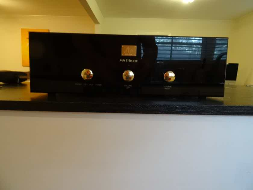 Audio Note (UK) M-8 phono Upgraded with M9 parts