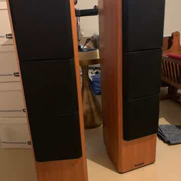 Middle T Speakers
