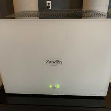 Zanden Audio   Models 3100 Preamplifier & 8120 Amplifier