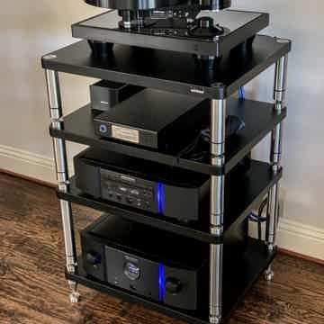 Brinkmann Audio Bardo Turntable with HRS isolation base