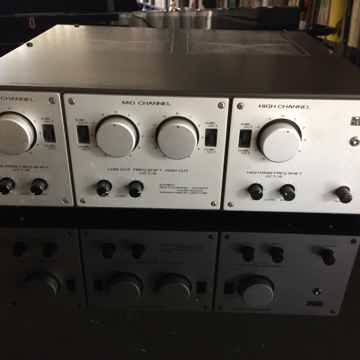 Luxman A-2003 Tube 3 Way Electronic Crossover