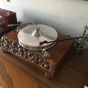 Customer setup with TRU-GLIDER Pendulum Tonearms, Tru-Sweep, Tru-Kleen and Nasotec Swing Headshell