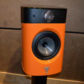 Focal Sopra No. 1 - Audio Elegance - Glass Stands Included