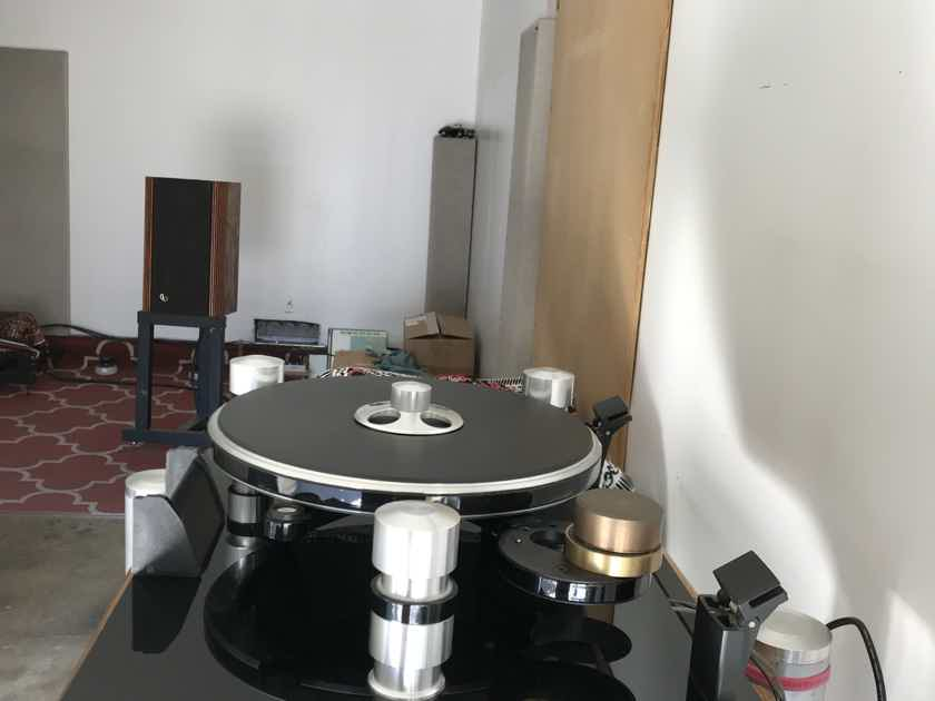Oracle Delphi Mk. IV Turntable