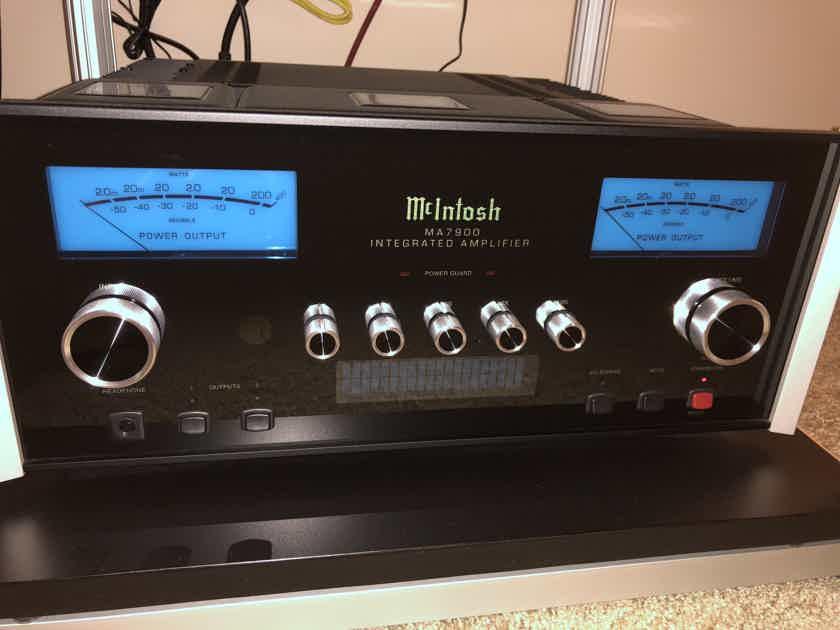 McIntosh MA-7900