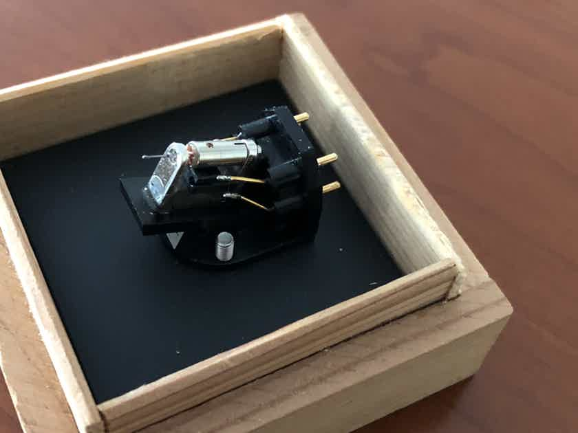 Sumiko Blackbird High Output mc cartridge