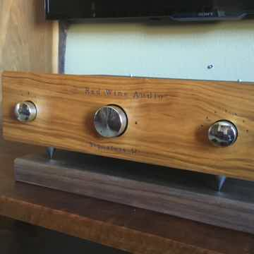 Red Wine Audio (Vinnie Rossi) Signature 57 Integrated A...