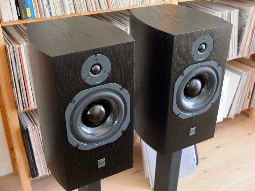 Atc Scm 19 V2 Black Ash Demo Monitors Audiogon
