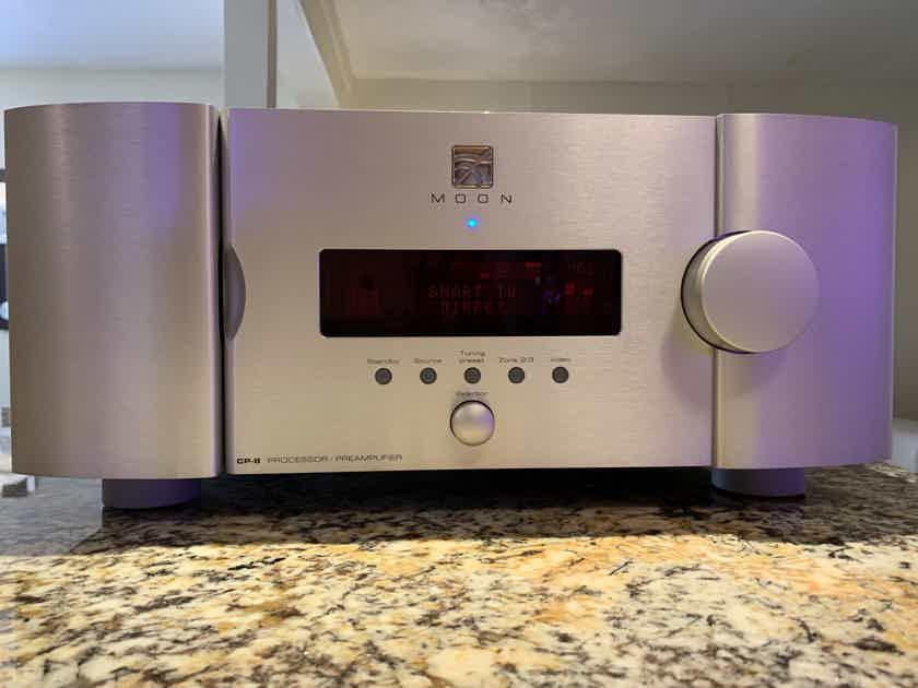 Simaudio MOON CP-8 surround sound Processor - Preamplifier in silver