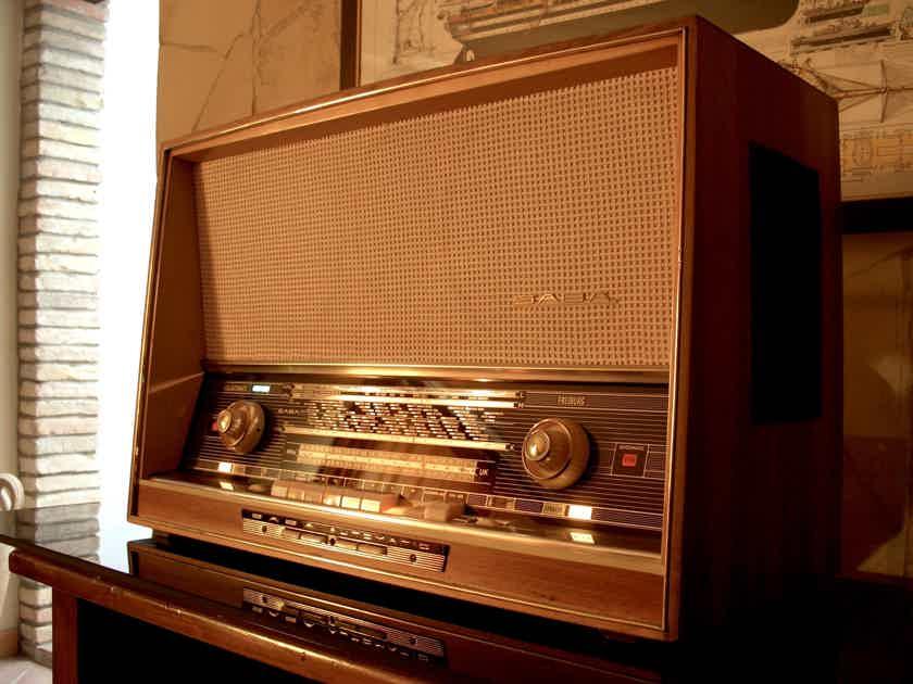 Saba Freiburg 125 Vintage Stereo FM tube radio
