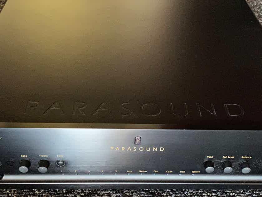 Parasound HALO P-5 2.1 stereo pre