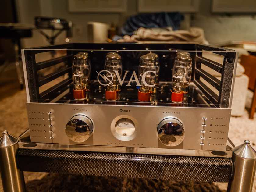 VAC PHI-300.1 VAC Phi 300.1 Tube Amp.  Legendary amp with 75%+ tube life