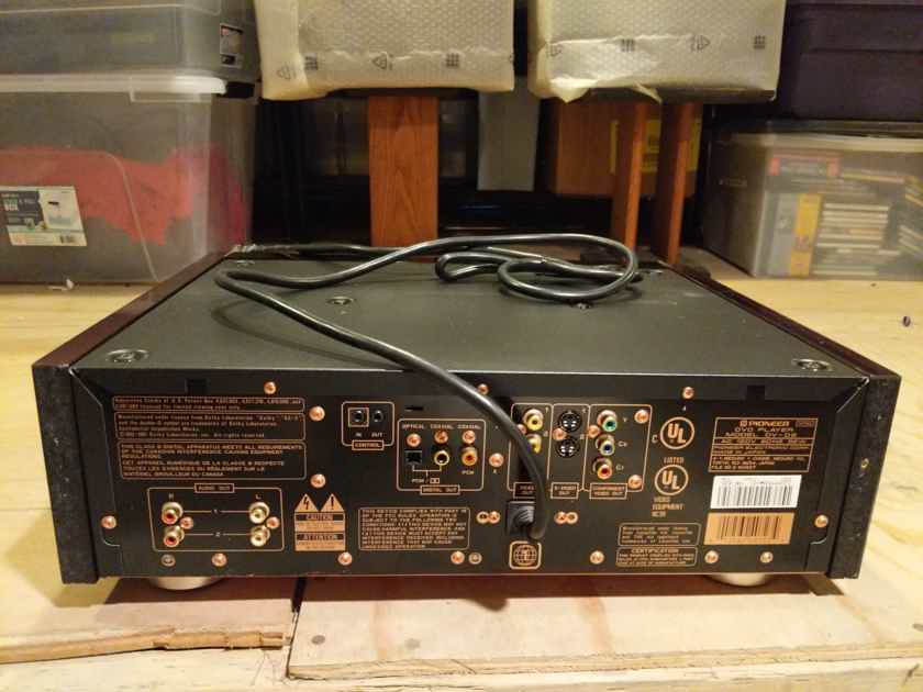 Pioneer DV-09