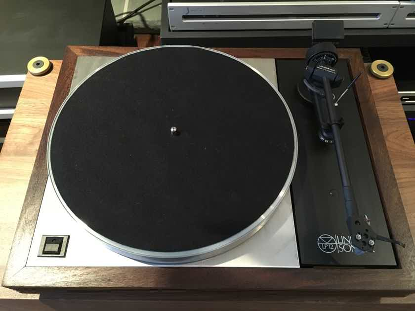Linn LP12 Legendary Turntable with new Clearaudio Cartridge