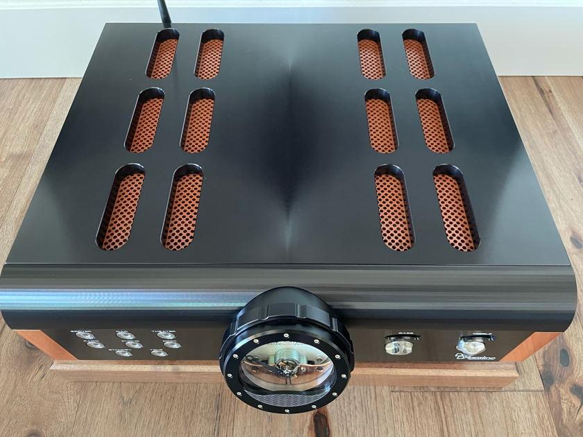 Dan D'Agostino Master Audio Systems Momentum HD Line Preamplifier