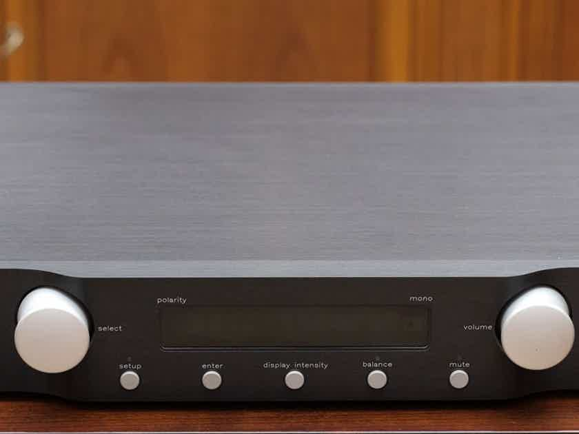 Mark Levinson No 320s with phono MM/MC - pristine, 230V from Europe