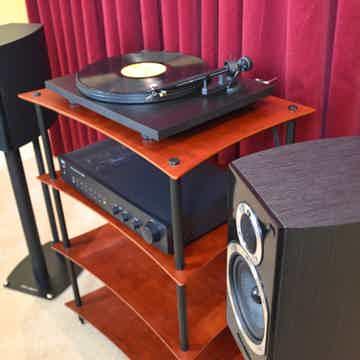 Cherry/Black & Quadraspire Q4 Amp Stand