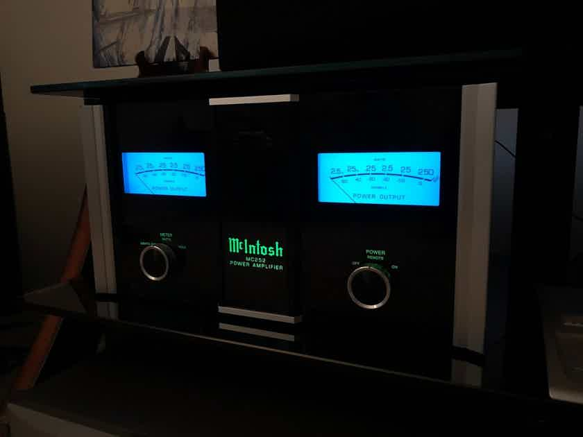 McIntosh MC-252 2x250 wpc amplifier, Los Angeles Pickup Only