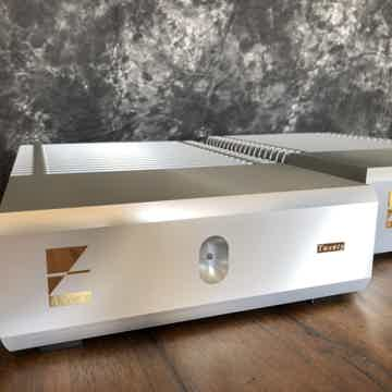 Ayre Acoustics MX-R Twenty Reference Mono Amplifiers Cl...