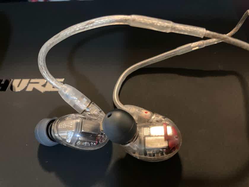 Shure SE846 Noise-Isolating Earphones complete w/accessories & Box!
