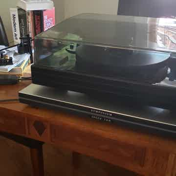 Well Tempered Labs Black Dampened Turntable - With Extras!