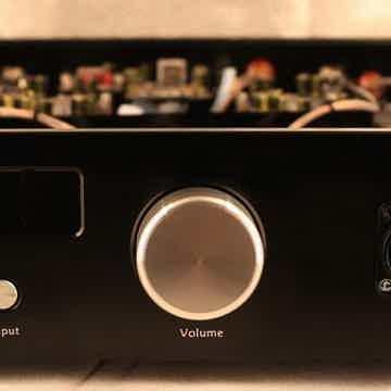 Audio GD R28 Balanced preamp w/ R2R DAC & 9.5wpc headph...