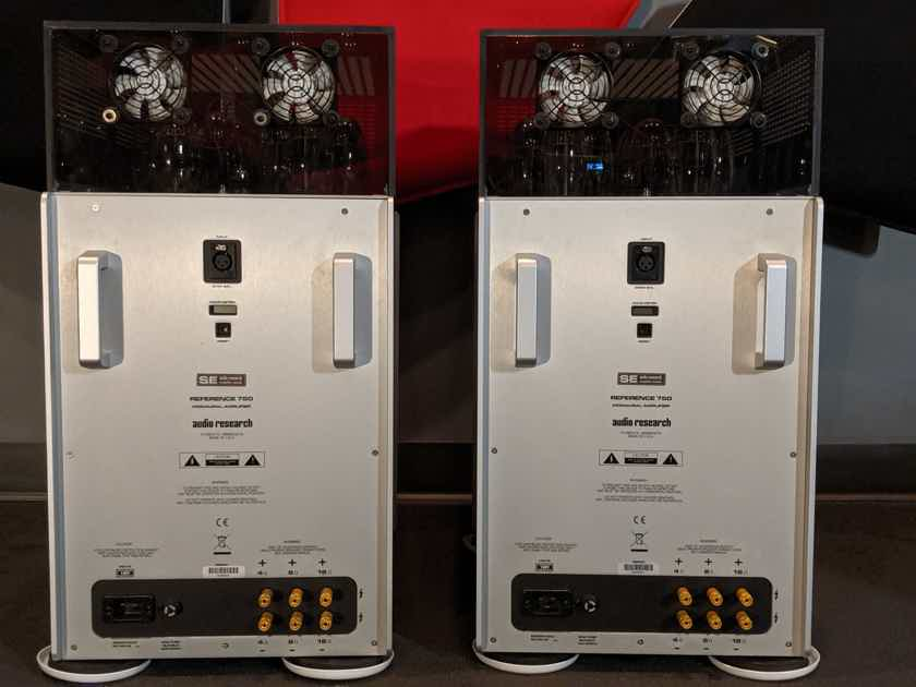 Audio Research REF750SE Monoblock Amplifier Pair w/Fans in Silver Finish