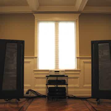 Apogee Acoustics Duetta Signature