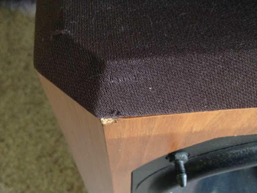 B&W Bowers and Wilkins 802 Series 80 vintage loudspeakers, sound great!