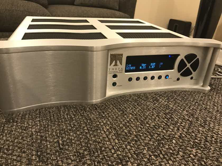 Theta Digital Generation VIII DAC Version 3 World Class Pre Amp Dac - Factory new Condition Gorgeous !