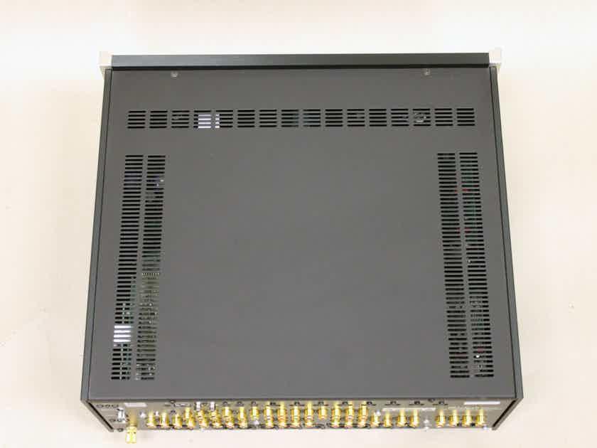 McIntosh MX-121 A/V Control Center