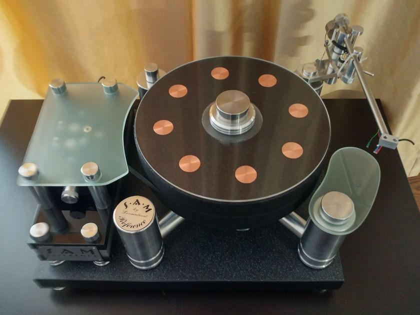 Small Audio Manufacture Reference HIGH END TURNTABLE
