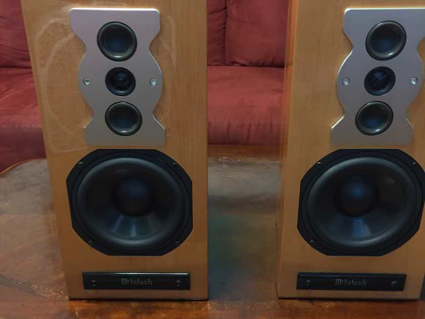McIntosh XR50 Bookshelf Loudspeaker System (Pair)