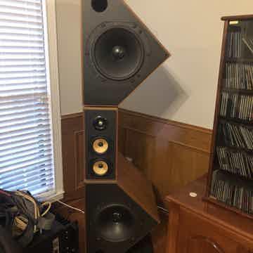 B&W (Bowers & Wilkins) Matrix 800 Speakers