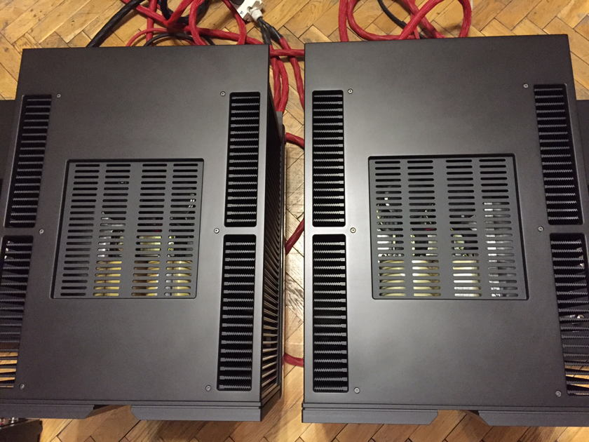Vitus Audio SM-102 Signature Power Amplifier black colour 220 Voltage